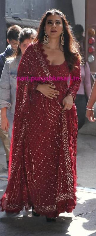 फिल्म प्रमोशन के दौरान वह एक से एक बढ़िया ड्रेसेज पहन चुकी हैं, जो देखते ही देखते महिलाओं की पसंद भी बन गई।
