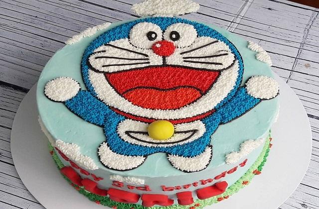 खासतौर पर बच्चों को डोरेमोन कार्टून काफी पसंद होने से इसके डिजाइन का केक बनवाना बेस्ट रहेगा।