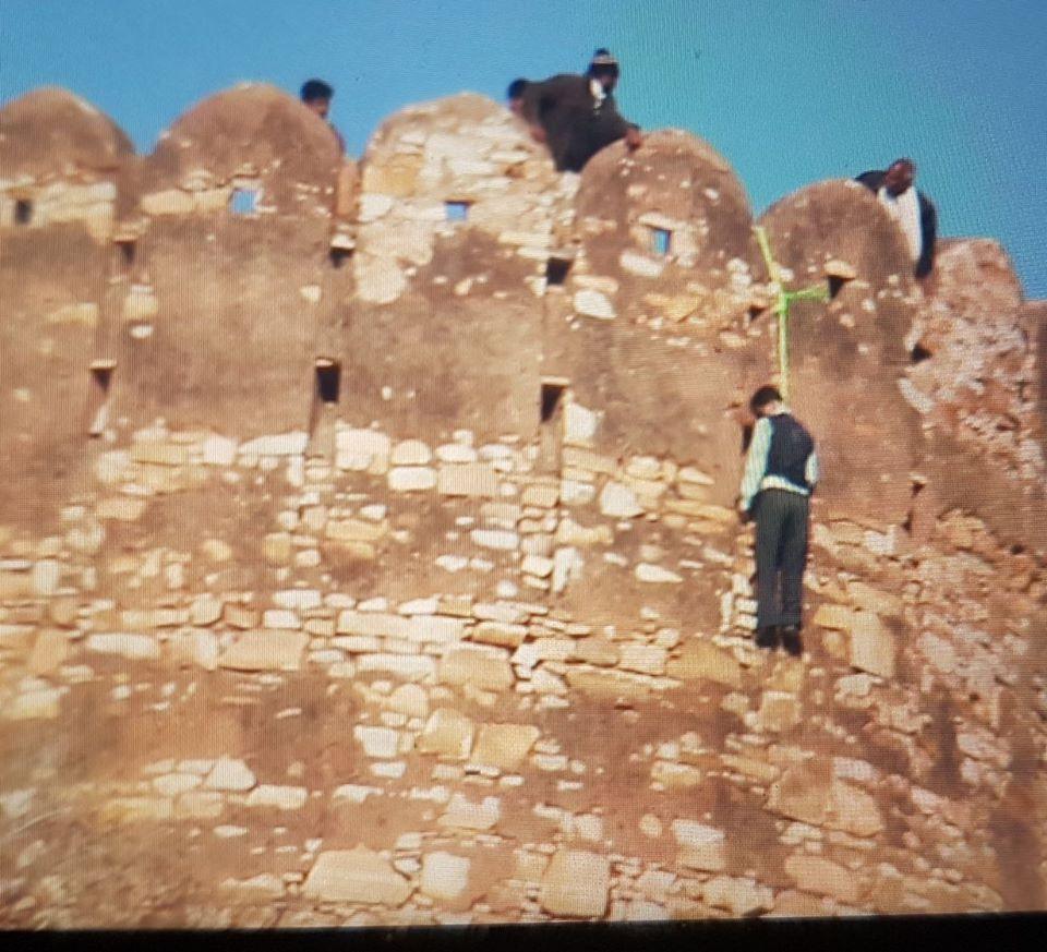 जयपुर: किले में लटका मिला शव, 'पद्मावती' के विरोध में लिखा मिला मैसेज