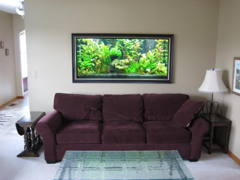 टीवी की तरह एक्वेरियम को दीवार के अंदर भी फिट करवा सकते हैं।
