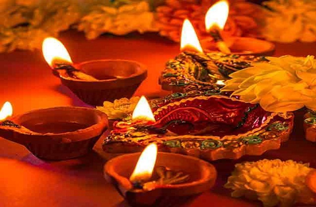 13 अप्रैल से चैत्र नवरात्रि शुरु हो रहे हैं। इस दौरान देवी दुर्गा के नौ रूपों की पूजा करने का विशेष महत्व है।