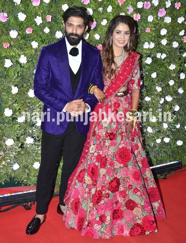 महाराष्ट्र नवनिर्माण सेना (MNS) प्रमुख राज ठाकरे के बेटे अमित ठाकरे कल फैशन डिजाइनर मिताली बोरुडे के साथ शादी के बंधन में बंधे।