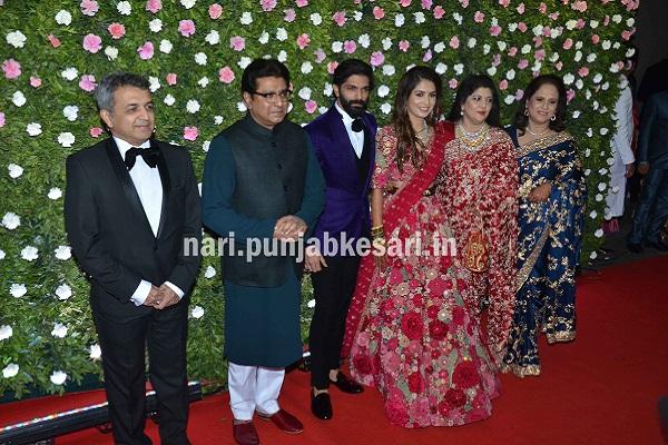 शादी के बाद मुंबई के St.Ragis होटल में रिसेप्शन पार्टी रखी गई, जिसमें फेमस राजनेता, बॉलीवुड और खेल जगत की तमाम हस्तियों ने शिरकत की।