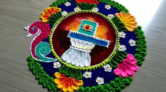 मान्यता है कि रंगोली बनाने से घर में पॉजिटिविटी और सुख-समृद्धि आती है। इसलिए हिंदू धर्म में खासतौर पर तीज-त्यौहार के मौके पर रंगोली बनाई जाती है।