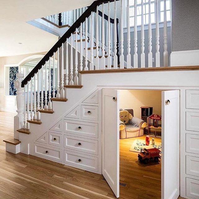 घर में बेडरूम कम है तो यहां बच्चों के लिए छोटा-सा कमरा बनवाए। इसमें आप चाहें तो सोफा कम बैड लगा सकते है।