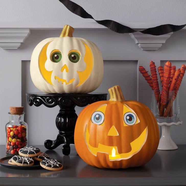 हैलोवीन डे पर पंपकिन डैकोरशन (Pumpkin Decoration) का काफी महत्व होता है।
