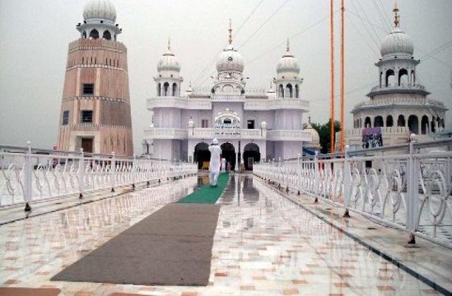 इस गुरुद्वारे को सिखों के पांच तख्तों में से एक माना जाता है। इसे तलवंडी साबों के नाम से भी जाना जाता है। यह पंजाब के बठिंडा शहर में स्थापित है।