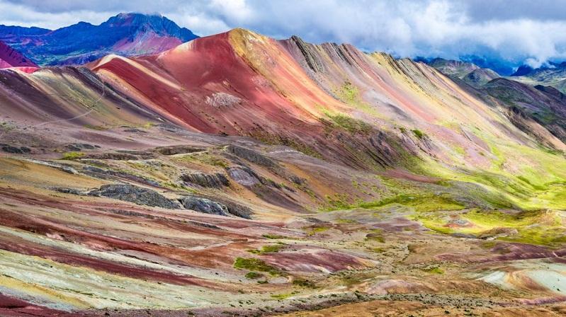 Image result for ये हैं सात रंगों वाले पहाड़, जिन्हें देख नहीं कर पाएंगे विश्वास
