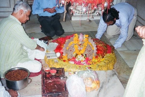 नवरात्रि में इस पावन मंदिर में अलग धूम देखने को मिलती है।
