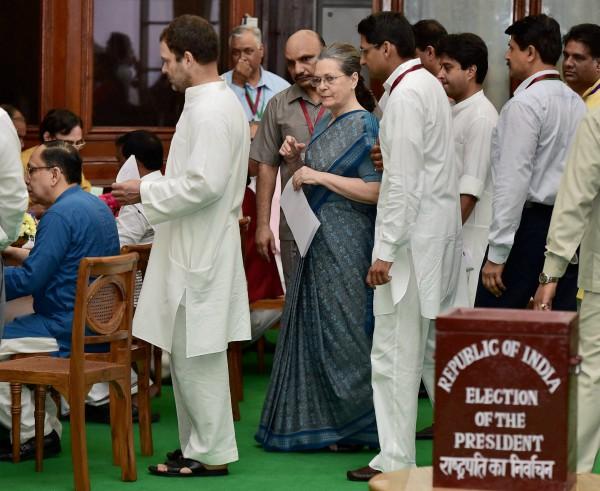 राष्ट्रपति चुनावः जब पीएम मोदी ने पूछा सोनिया गांधी से हालचाल