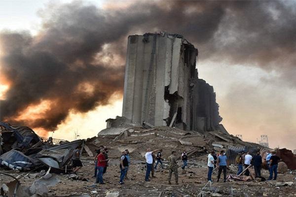 लेबनान की राजधानी बेरूत में मंगलवार को ऐसा बम धमाका हुआ जैसा पहले कभी नहीं देखा गया