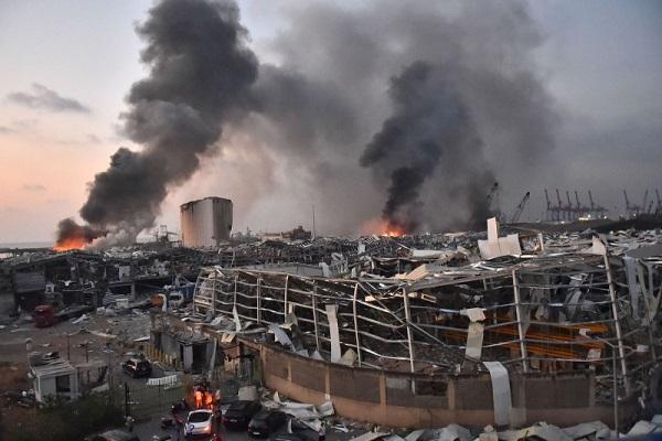 बेरूत बंदरगाह के पास स्थित एक गोदाम में हुआ धमाका