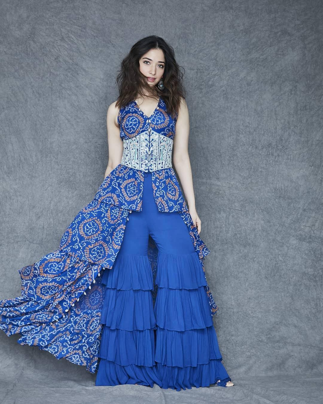 नेवी-ब्लू इंडो-वेस्टर्न ड्रेस