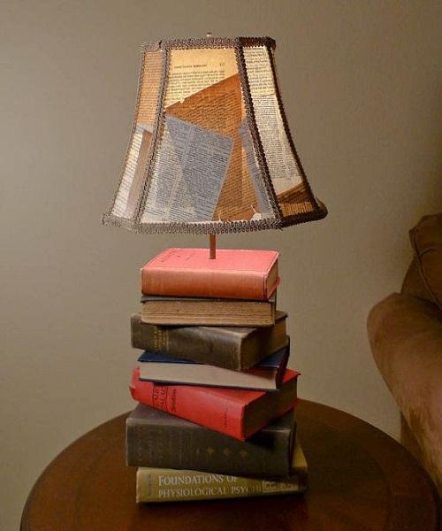 पुरानी बुक्स की मदद से टेबल टैंप भी बनाया जा सकता है।