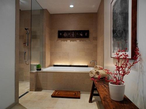 चलिए अब हम आपको स्पा बाथरूम के कुछ लेटेस्ट डिजाइन्स दिखाते हैं, जिन्हें आप अपने घर के हिसाब से चूज कर सकते हैं।