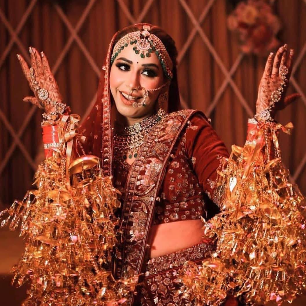 दुल्हन को चूड़ा को कलीरे खास बनाते हैं। चूड़ा के बाद लड़की की सहेलियां या बहनें उसे कलीरें पहनाती हैं।