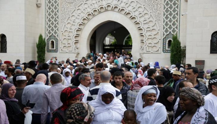 Image result for चीन सड़कों पर उतरा मुस्लिम समुदाय