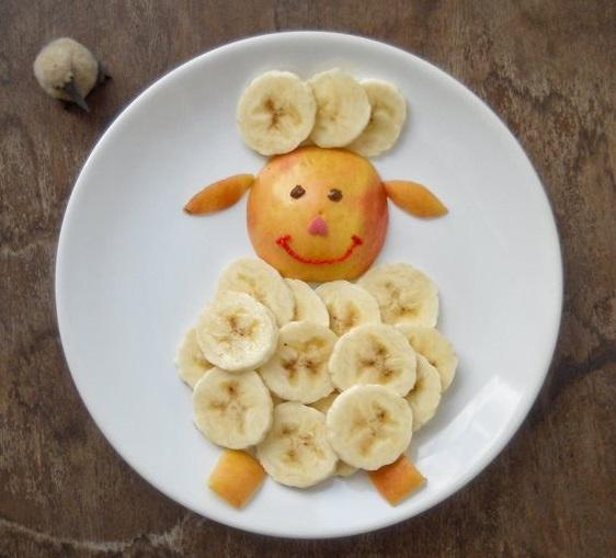 यहां हम आपको फूड्स डैकोरेशन के कुछ क्रिएटिविट आइडियाज देंगे, जिससे बच्चे खेल-खेल में हैल्दी फूड्स भी खा लेंगे।