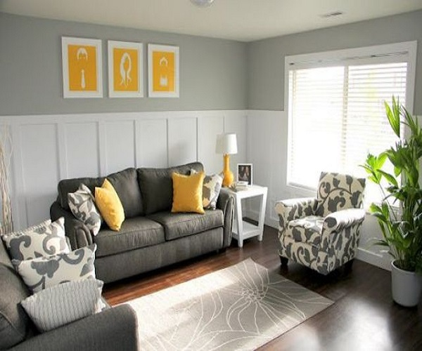 आप चाहें तो पीले रंग की पेटिंग भी कमरे में लगा सकती है।