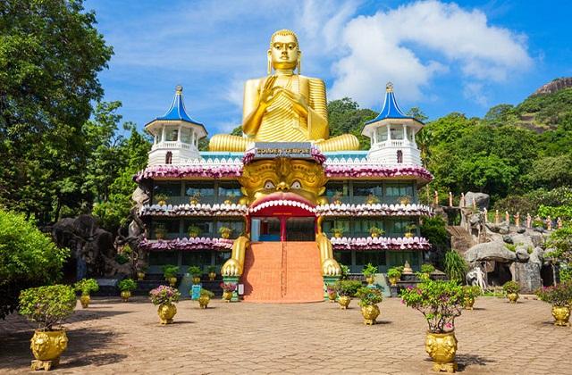 यहां भारत और श्रीलंका बॉर्डर पर मन्नार का किला और मन्नार द्वीप घूम सकते हैं।