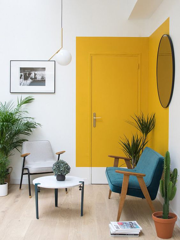 यहां हम भी घर को पीले रंग से सजाने के कुछ आइडियाज देंगे, जिससे आप इंस्पिरेशन ले सकते हैं।