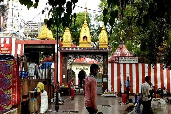 अगर आप दिल्ली या इसके आसपास रहते हैं तो आज हम बप्पा के तीन प्रसिद्ध मंदिरों के बारे में बताते हैं जो दिल्ली में स्थित है।