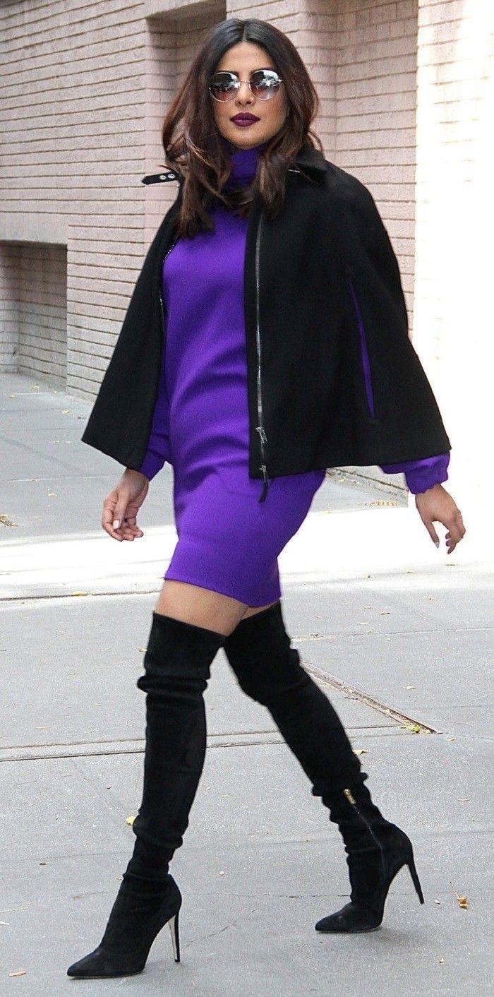 शाॅर्ट ड्रेस के साथ ट्राई करें थाई हाई बूट्स