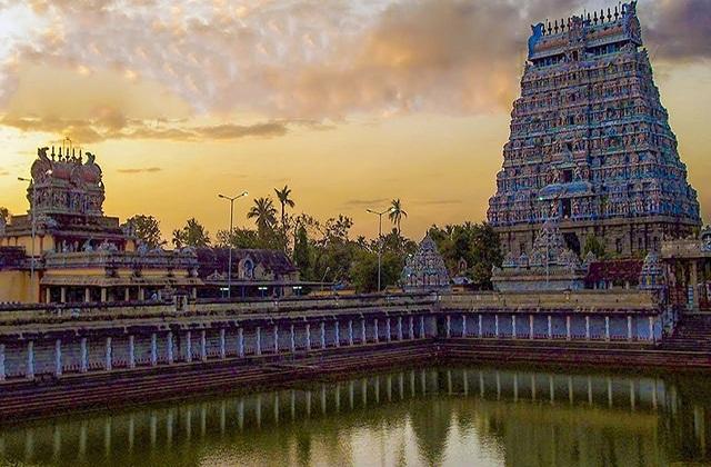 भोलेनाथ का चिदंबरम नटराज मंदिर आकाश तत्व का प्रतिनिधत्व करता है। शिव जी की समर्पित यह मंदिर तमिलनाडु के चिदंबरम शहर में स्थित है।