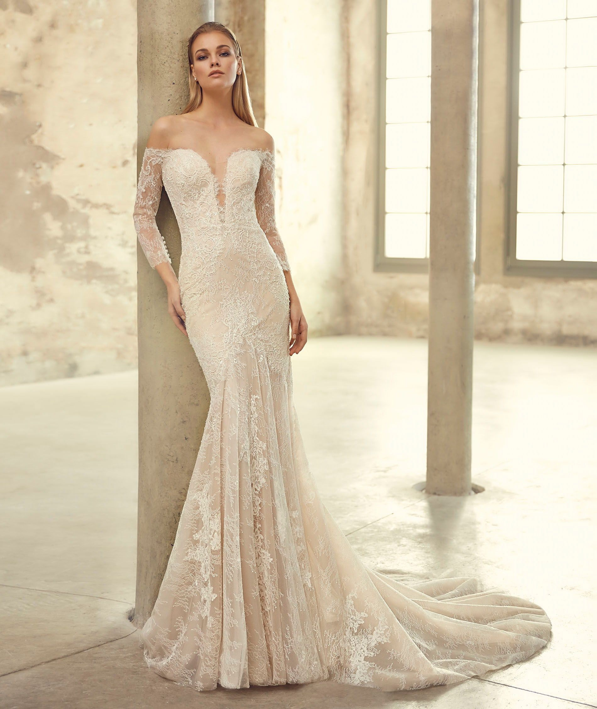 Fishtale wedding gown