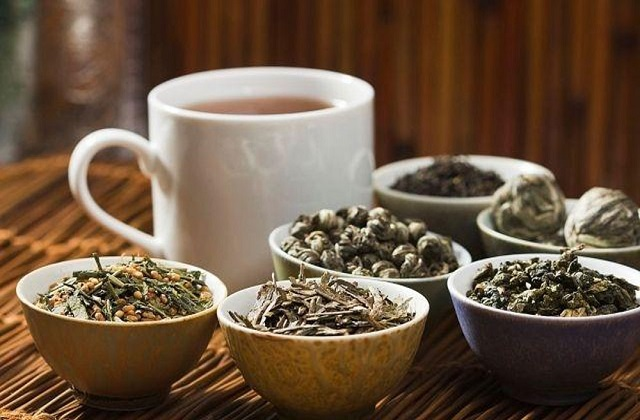 बात हम चाय के रेट की करें तो आमतौर पर हर कोई 10 या 20 रुपये कहेगा। मगर क्या आपने कभी 1,000 रुपये की चाय पी है।