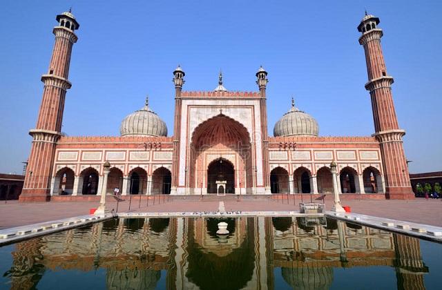 रमजान का पवित्र महीना चल रहा है। इस दौरान सभी मुस्लिम रोजे रखने के साथ अल्ला की इबादत करते हैं।