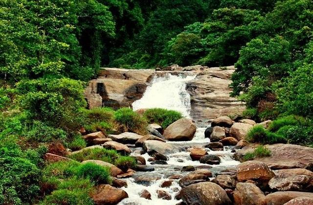 वालपराई, तमिलनाडु के कोयंबटूर जिले में बसा है। आप पार्टनर के साथ घूमने के लिए वालपराई घूमने का प्लान कर सकते हैं।