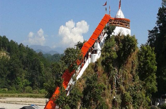कुमाऊं क्षेत्र और नैनीताल जिले में बसा गांव रामनगर खूबसूरत नजारों से भरा हुआ है।