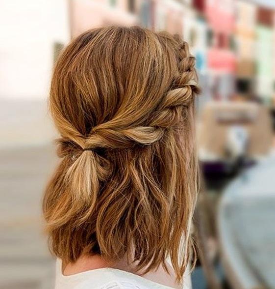 लड़कियां छोटे बालों के साथ नए-नए एक्सपेरिमेंट करना बखूबी जानती हैं।