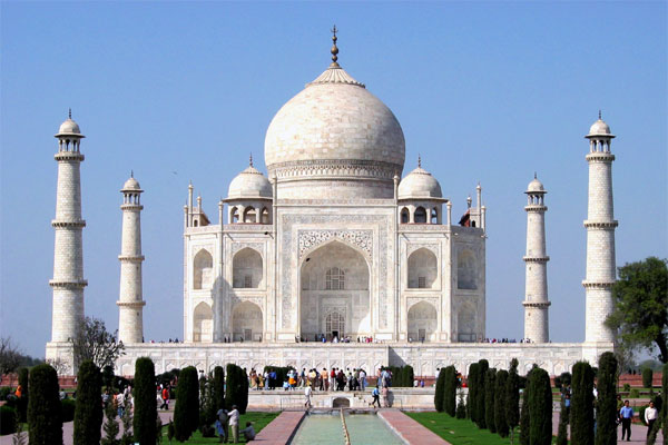 ताजमहल का 45 हजार से अधिक सैलानियों ने किया दीदार