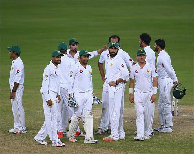पाकिस्तान ने पहले दिन-रात क्रिकेट टैस्ट मैच में वैस्टइंडीज को 56 रनों से हराया