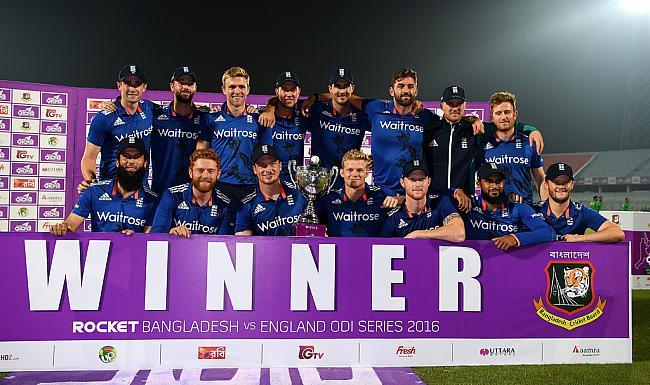 इंगलैंड ने बांग्लादेश का 'श्रृंखला विजय' का अभियान थामा