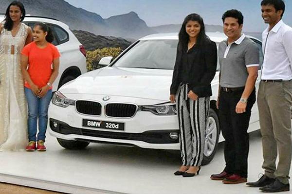 सचिन तेंदुलकर से तोहफे में मिली BMW लौटाएंगी दीपा करमाकर, जानिए क्यों?
