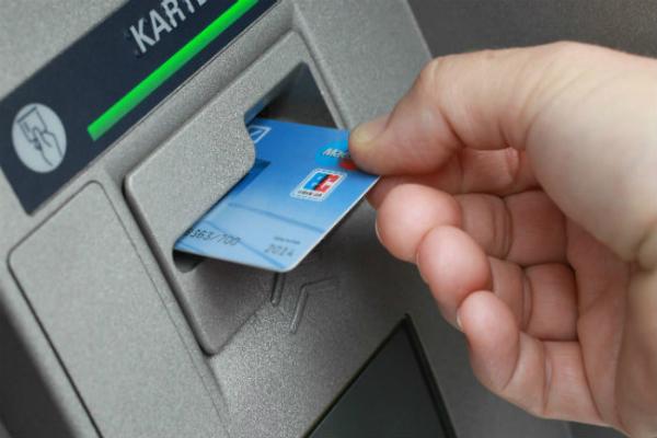 65 लाख डैबिट कार्ड्स के डाटा चोरी से हड़कम्प, चीन-अमेरिका में निकाले गए भारतीयों के पैसे