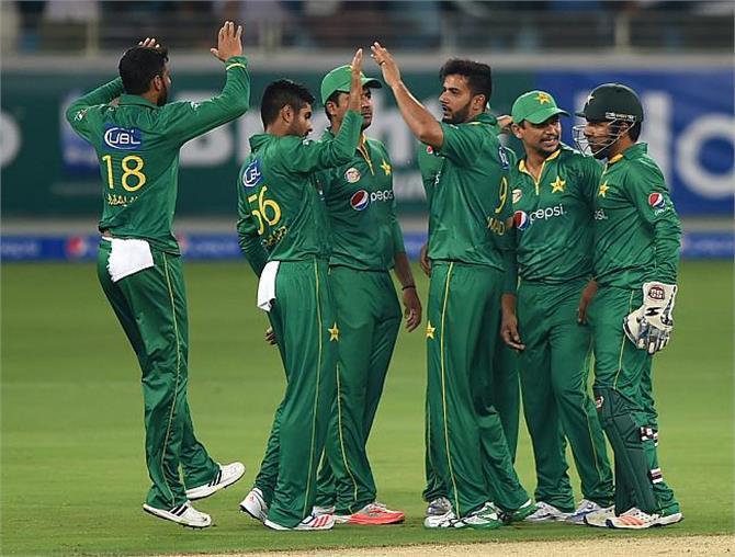 गुलाबी गेंद से 400 वां टैस्ट खेलने उतरेगा पाकिस्तान
