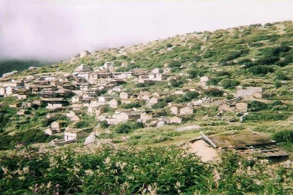 इस गांव में हजारों साल से वर्जित है हनुमान जी की पूजा, जानिए क्यों?