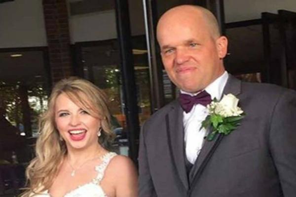 अजनबी को डोनेट किया लिवर, प्यार हुआ और कर ली शादी