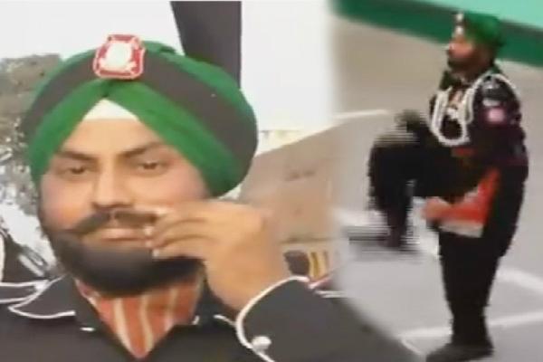 PAK के सिख रेंजर ने मूंछों पर ताव देकर भारत के बारे में ये कहा