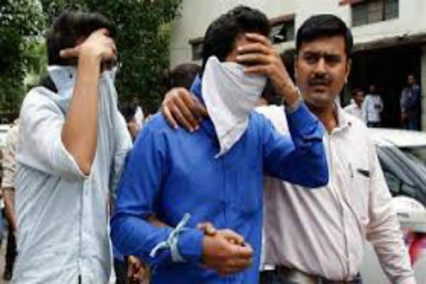 भारतीय कॉल सेंटरों ने अमरीकियों से ठगे 30 करोड़ डॉलर