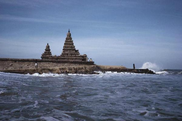 मंदिरों का शहर कहते हैं इसे, असुर के नाम पर हुआ इसका नामकरण (Watch Pics)