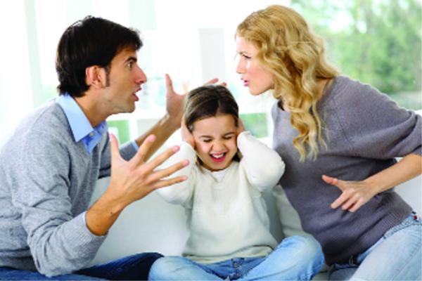पूर्व दिशा में की गई Mistakes, घर के सदस्यों को बनाती हैं झगड़ालू और क्रोधी