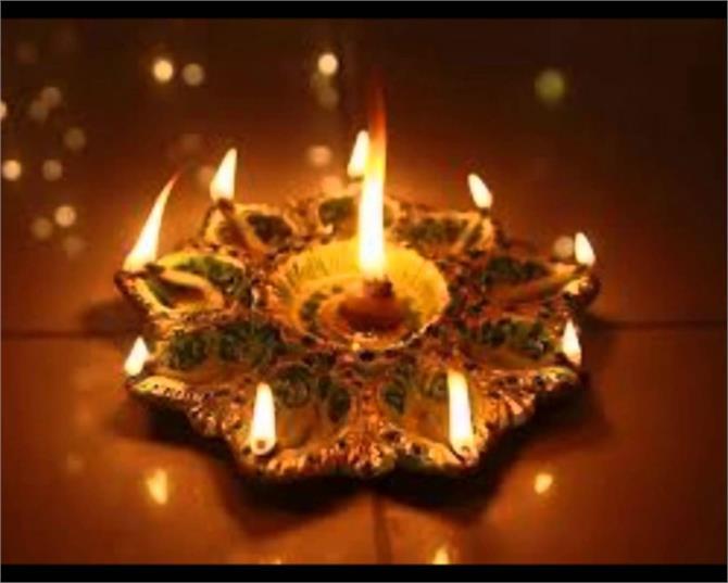 परंपरा: धनतेरस की पूरी रात रोशनी की जाती है पढ़ें, कथा