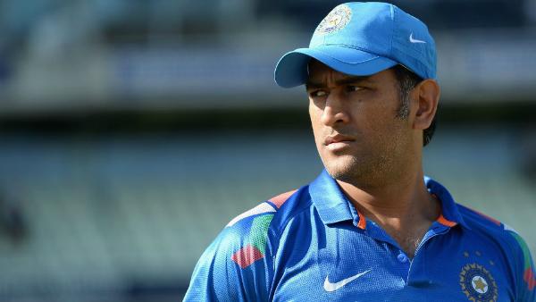 पाकिस्तान के इस दिग्गज खिलाड़ी ने तोड़ा धोनी का रिकार्ड