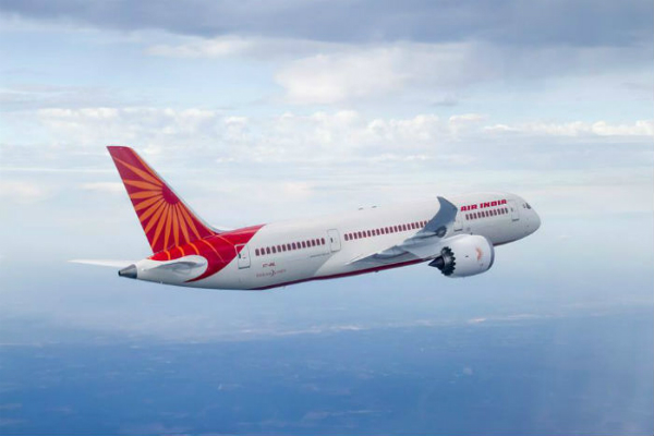एअर इंडिया ने बनाया वर्ल्ड रिकॉर्ड, साढ़े 7 घंटे तक समुद्र के ऊपर उड़ता रहा विमान