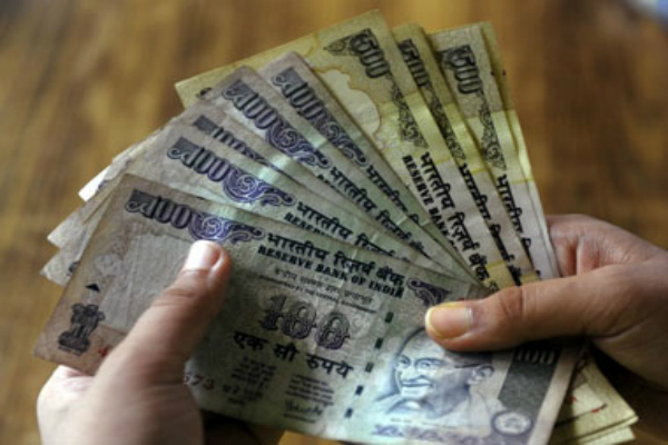 डॉलर के मुकाबले रुपया 3 पैसे मजबूत खुला